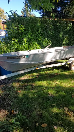 14 foot 1981 smoker craft aluminum boat. With eska motor and trailer for Sale in Vancouver, WA