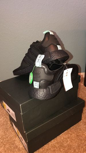 Adidas NMD R1 Mint Glow for Sale in Las Vegas, NV