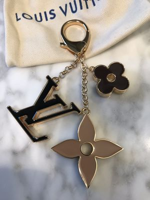 Authentic Louis Vuitton bag charm/key chain for Sale in Gaston, OR