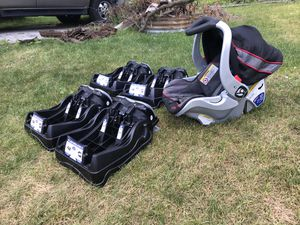 Price reduced!!!Infant car seat, Baby Trend infant car seat base for Sale in Grand Rapids, MI