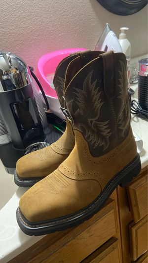 Ariat Boots for Sale in Palmdale, CA