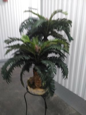 Small fake plant for Sale in Kent, WA