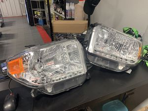 14-17 Tundra OEM headlights. for Sale in Brandon, FL