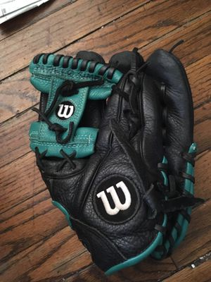 "Wilson A500 10 3/4"" baseball glove for Sale in San Diego, CA"