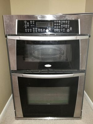 Whirlpool microwave oven cabinet mount combo. for Sale in Auburndale, FL
