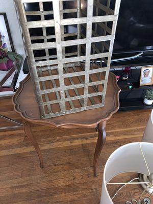 Antique small table for Sale in Fresno, CA