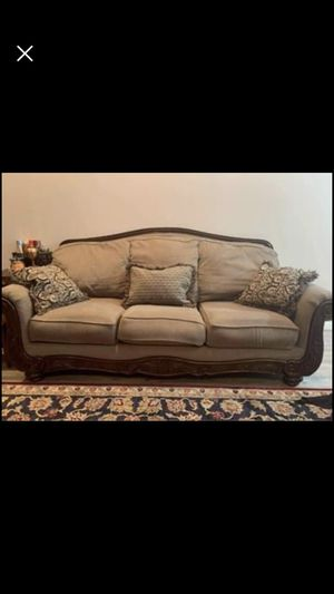 Couch and loveseat for Sale in Smyrna, TN