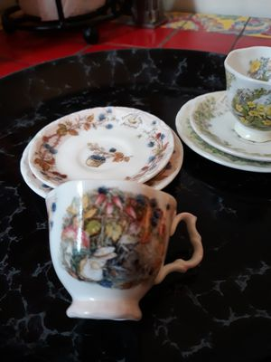 Brambly Hedge by Royal Doulton, 2 Mini Cups, 2 Saucers 2 Plates for Sale in Dallas, TX
