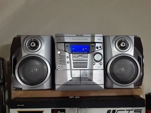 Stereo system sharp cd-e600 for Sale in Tulare, CA