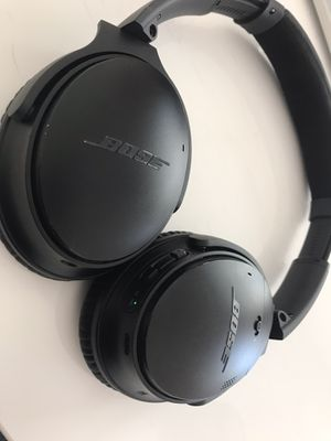 Bose quietcomforter II Noise cancellation headphone for Sale in San Carlos, CA