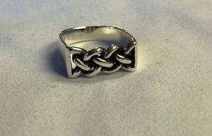 Size 6 sterling silver braided knot signet ring for Sale in San Antonio, TX