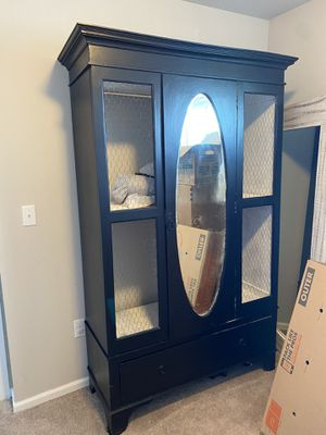 Hutch/armoire for Sale in Granite Falls, WA