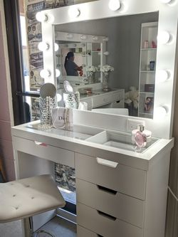VANITY NUEVECITO EXCELENTE CALIDAD 😍 for Sale in Walnut,  CA