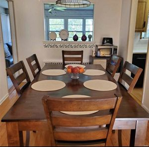 Raymour and flanigan dining table set for Sale in East Meadow, NY