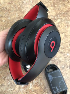 Beats by Dr. Dre Studio3 Headband Wireless Headphones - Defiant Black/Red for Sale in Temple City, CA