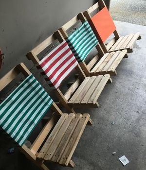 Folding beach chairs $10 each by four The fifth one is free for Sale in Ronald, WA