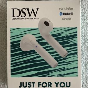 Electronics Smartphone DSW Wireless Bluetooth Rechargeable Earbuds Airpods WHITE for Sale in Hollywood, FL