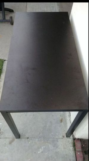 Table for Sale in Garden Grove, CA