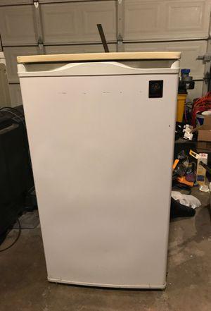 GE mini fridge for Sale in Auburn, WA
