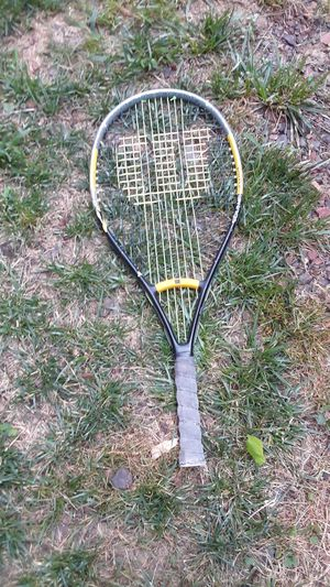 Tennis racket for Sale in Pasadena, MD