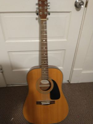 Fender DG-8S Dreadnought Guitar with Capo perfect condition for Sale in Columbia, MO