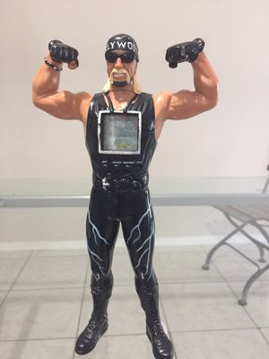 Rare! Hulk Hogan handheld Electronic WCW game/ Working /1999 for Sale in Houston, TX
