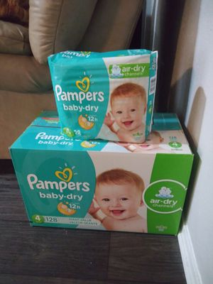 Pampers size 4 for Sale in Arlington, TX