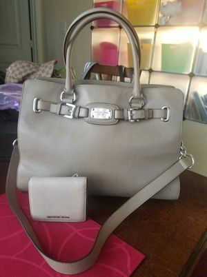 Michael Kors purse and wallet bundle for Sale in Lincoln Acres, CA