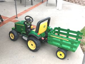 John Deer electric traktor . . Exelent condition . for Sale in Lake Forest, CA