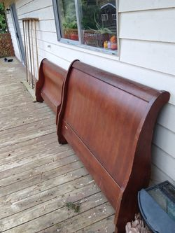 Queen Sleigh Bed Frame for Sale in Woodinville,  WA