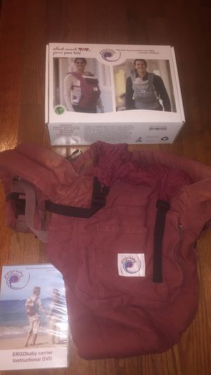 Ergo baby carrier and infant insert for Sale in Fairfax, VA