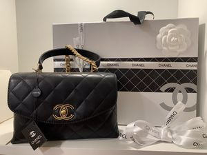 Small Chanel bag black leather for Sale in PA, US