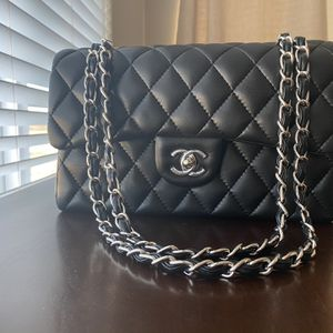 Black Purse With Silver Hardware for Sale in Discovery Bay, CA