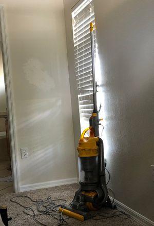 Dyson vacuum for Sale in Tarpon Springs, FL