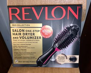 /Health & Beauty/Hair Care/Revlon Pro Collection Salon One Step Hair Dryer and Volumizer Brush for Sale in Los Angeles, CA