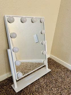 Small White Vanity for Sale in Visalia, CA