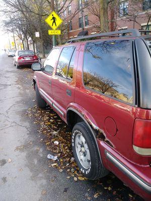 Jose...1998 Chevy blazer. 1000.00 for Sale in Chicago, IL