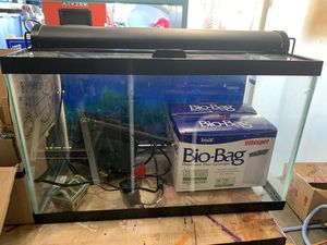 10 Gallon Aquarium with Extras!! for Sale in Sioux Falls, SD