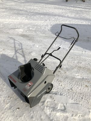 """Craftsman 21"""" 4.5 hp 2 cycle electric start snowblower for Sale in Gobles, MI"""