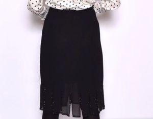 Metaphor skirt medium for Sale in Katy, TX