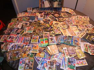1900 plus football, baseball,& basketball cards for Sale in Maple Heights, OH