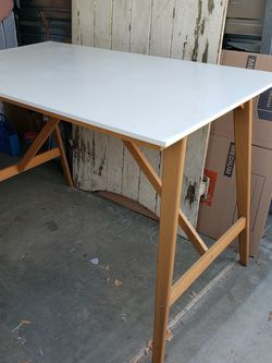 Draft Table, Working Table, Bar Table for Sale in Pico Rivera,  CA