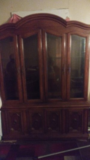 Brown Antique cabinet for Sale in Shreveport, LA