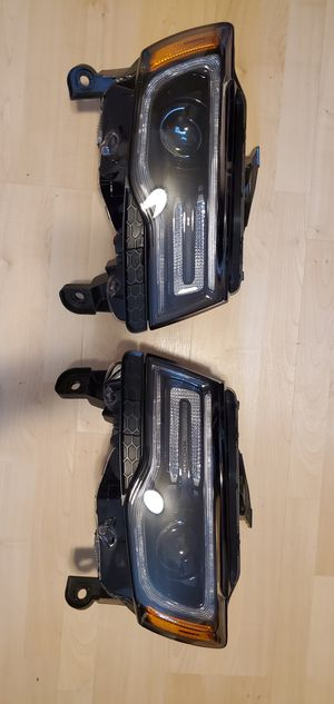 Jeep Grand Cherokee SRT8 Headlights (14-19) for Sale in Vancouver, WA