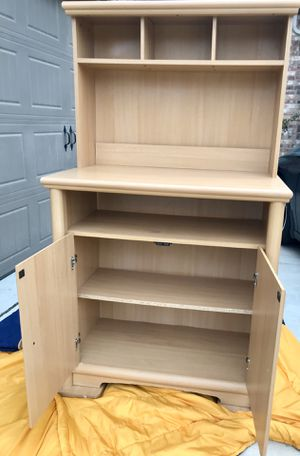 Desk/Storage Cabinet with Hutch for Sale in Arlington, TX