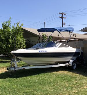 Ready for the lake it's 1997 Bayliner it's a four-cylinder it's got lots of new parts I just change the wires the cables new battery new starter for Sale in Phoenix, AZ
