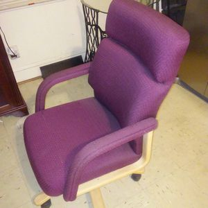 Beautiful office chair high quality for Sale in Salem, VA