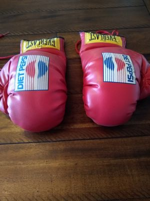 Everlast Diet Pepsi 12oz Boxing Gloves for Sale in Lakeland, FL