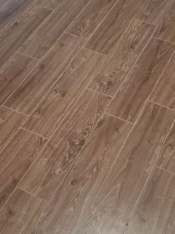"""FREE - Floor tile 9"""" x 24"""", 20 Pcs for Sale in Spring,  TX"""