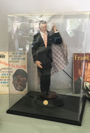 "Singing! FRANK SINATRA 20"" Statue with Plastic Case Base PERFECT CONDITION! for Sale in Tampa, FL"